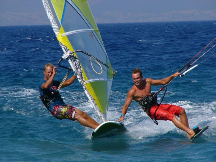 kitesurf vs windsurf