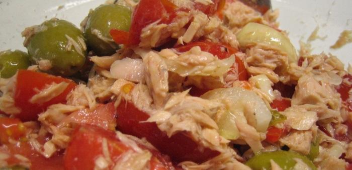 insalata tonno pomodori olive cipolla di tropea