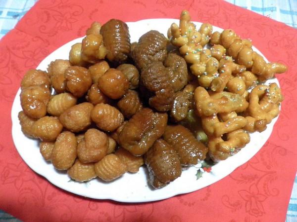 Dolci Natalizi Calabresi.Ricetta E Ingredienti Dei Turdilli Calabresi Dolce Natalizio